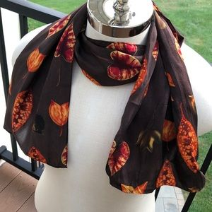 Casual Corner vntg Autumn leaves silk oblong scarf